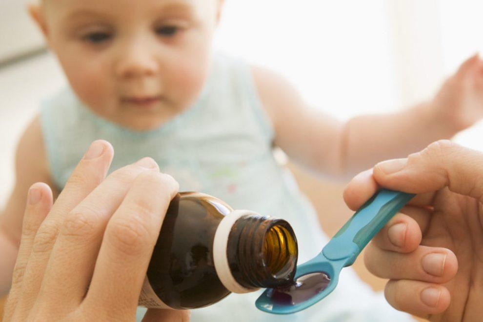 Como dar medicamento al bebe, dar medicina al bebe